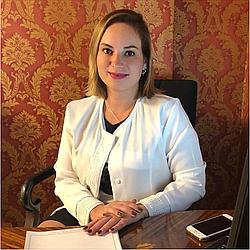 Dra. Caroline - Médico ginecologista e obstetra - Agendar Consulta