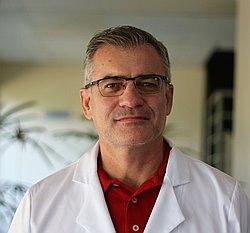 Dr. Valdemar - Médico neurocirurgião - Agendar Consulta