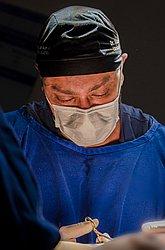 Dr. EDUARDO - Cirurgião Plástico - Agendar Consulta