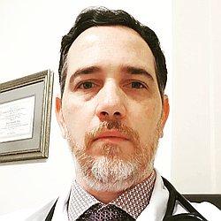 Dr. Flávio - Médico cardiologista - Agendar Consulta