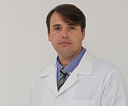 Dr. Carlos - Médico ortopedista e traumatologista - Agendar Consulta