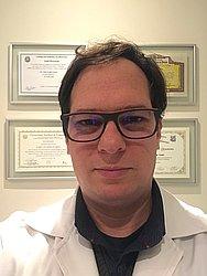 Dr. Fábio - Médico oftalmologista - Agendar Consulta