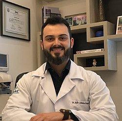 Dr. Jeffer - Médico oftalmologista - Agendar Consulta
