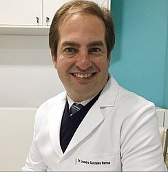 Dr. Leandro - Médico gastroenterologista - Agendar Consulta