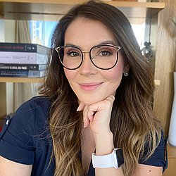 Dra. Marina Luiza - Médico dermatologista - Agendar Consulta