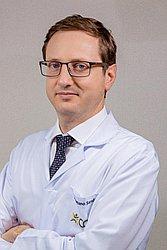 Dr. Cristiano Carvalho - Médico ortopedista e traumatologista - Agendar Consulta