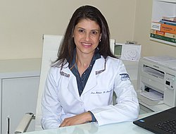 Dra. Helena - Médico dermatologista - Agendar Consulta