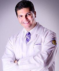 Dr. Alexander - Cirurgião Plástico - Agendar Consulta
