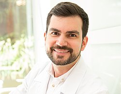 Dr. Daniel - Médico gastroenterologista - Agendar Consulta