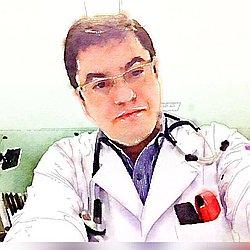 Dr. Julio - Médico em medicina intensiva - Agendar Consulta