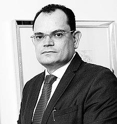 Dr. Elio - Médico cancerologista cirúrgico - Agendar Consulta